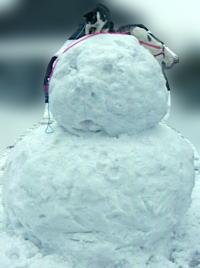 巨大な雪だるま